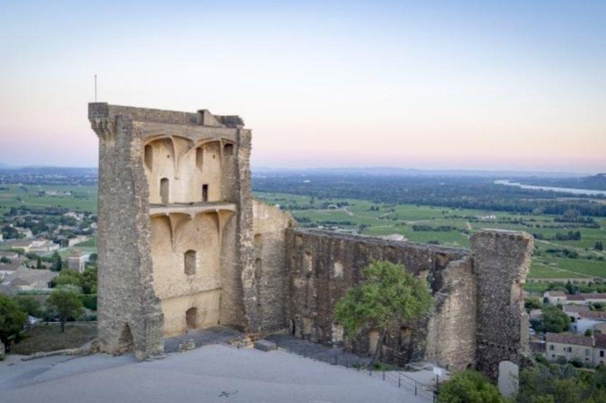 Le château pontifical de Châteauneuf du Pape