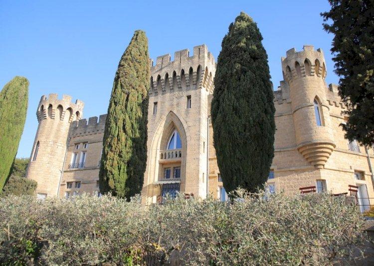 Hôtellerie : quatre châteaux en France où être heureux comme un prince
